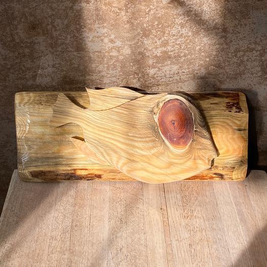 Пузатая рыбка из дерева