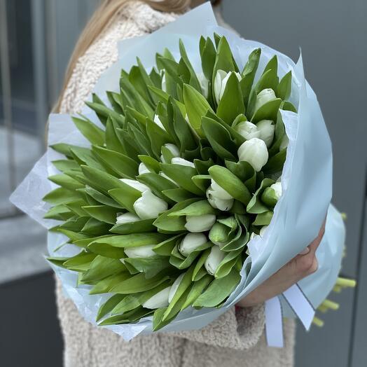 Букет Белые ночи из 51 белого тюльпана