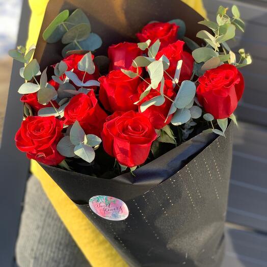 Монобукет розы с эвкалиптом