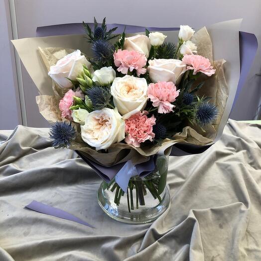 Букет с пионовидные розами