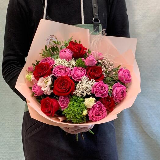 Роскошный букет с пионовидными розами