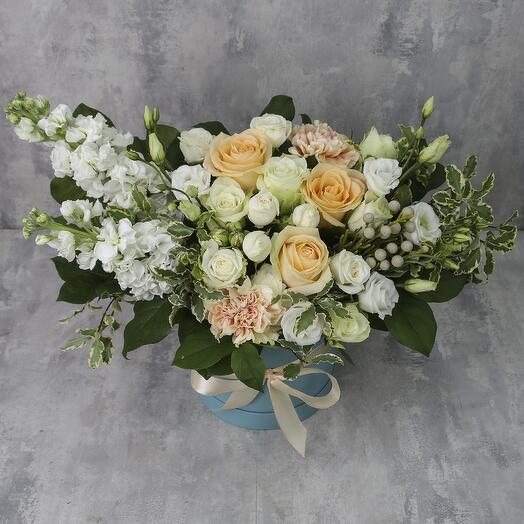 Коробка с цветами «Страстный поцелуй»