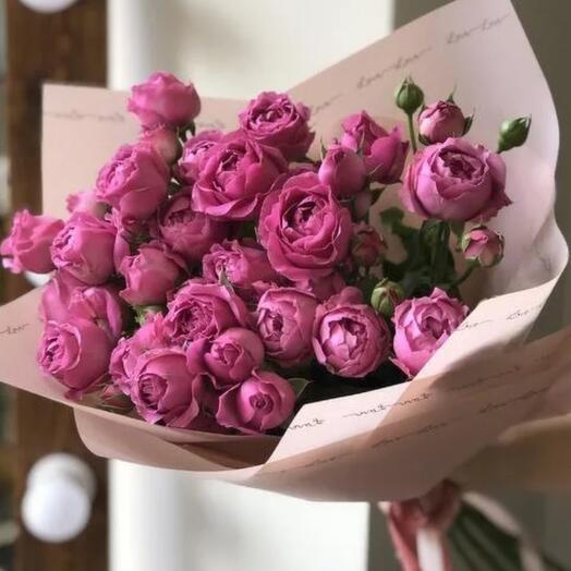 Букет пионовидных кустоввх роз