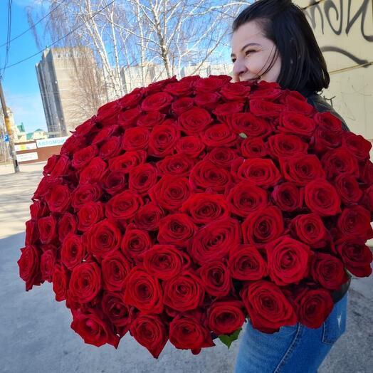 101 роза Голландия 80 см