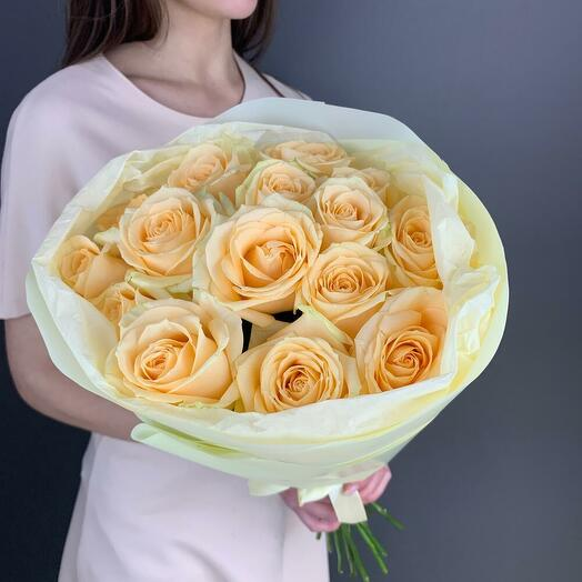 Букет из 15 персиковых роз (60 см)