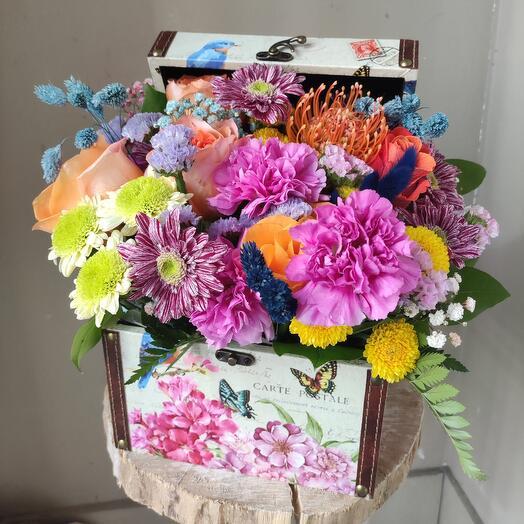Нью Йорк цветы в сундуке