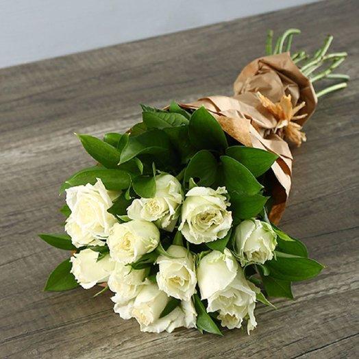 Монобукет из роз Gize White: букеты цветов на заказ Flowwow