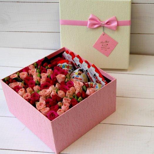 Яркая цветочная коробочка