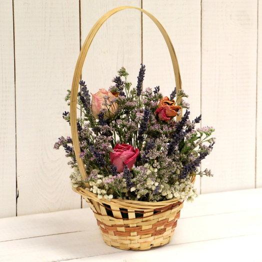 Корзинка из сухоцветов: букеты цветов на заказ Flowwow