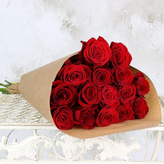15 красных эквадорских роз: букеты цветов на заказ Flowwow