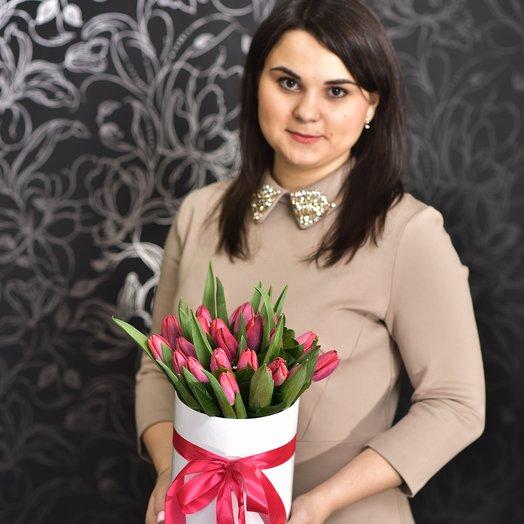 25 тюльпанов в коробке: букеты цветов на заказ Flowwow