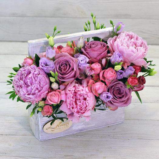 Деревянный ящик Ромео: букеты цветов на заказ Flowwow