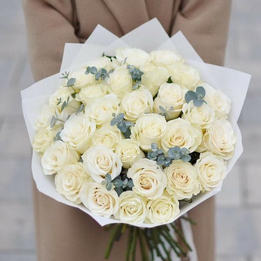 A bouquet of white roses: flowers to order Flowwow