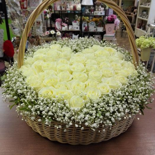 "Подарочная корзина "" Белее белого"": букеты цветов на заказ Flowwow"