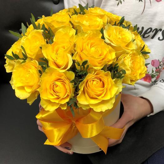 Коробки с цветами. Розы , желтые 19 шт. N339: букеты цветов на заказ Flowwow