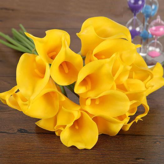 Каллы желтые: букеты цветов на заказ Flowwow