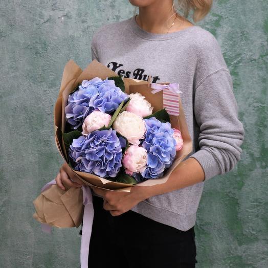 Букет из пионов и гортензии: букеты цветов на заказ Flowwow