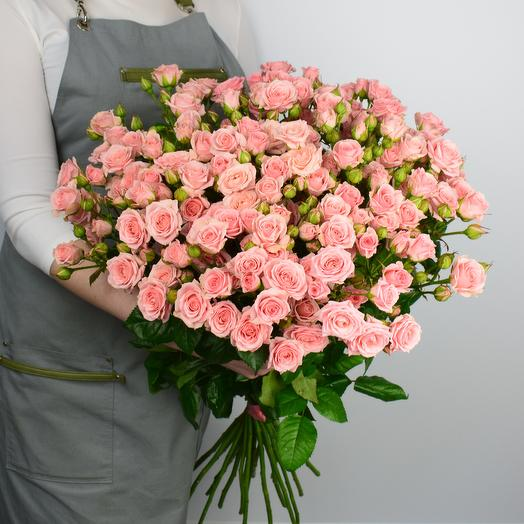 Букет из 25 розовых кустовых роз 50 см: букеты цветов на заказ Flowwow