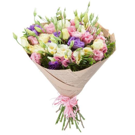 Нежный лизиантус: букеты цветов на заказ Flowwow