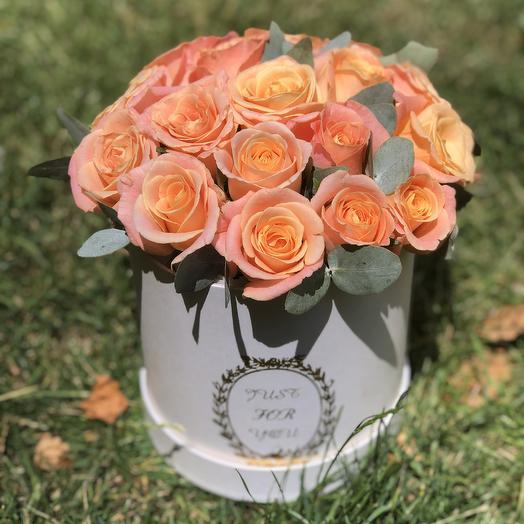 Цилиндр с розами: букеты цветов на заказ Flowwow