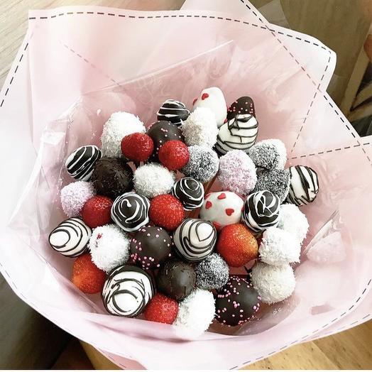 Клубничный букет «микс»: букеты цветов на заказ Flowwow