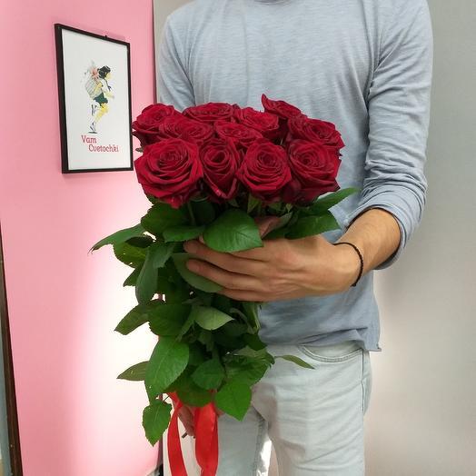11 аллых роз: букеты цветов на заказ Flowwow