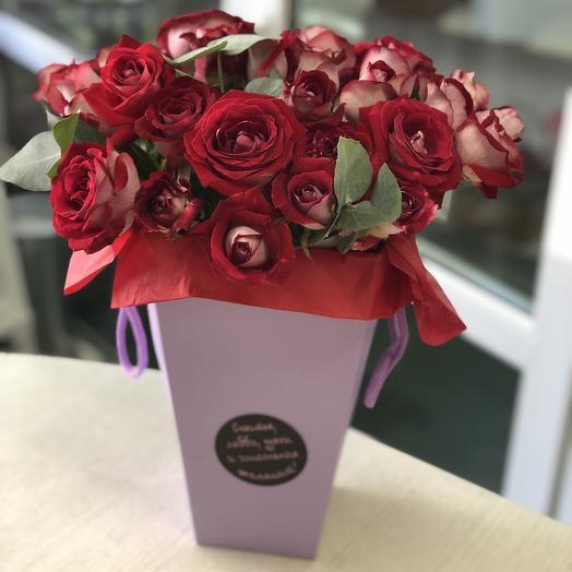 Конус с розами: букеты цветов на заказ Flowwow