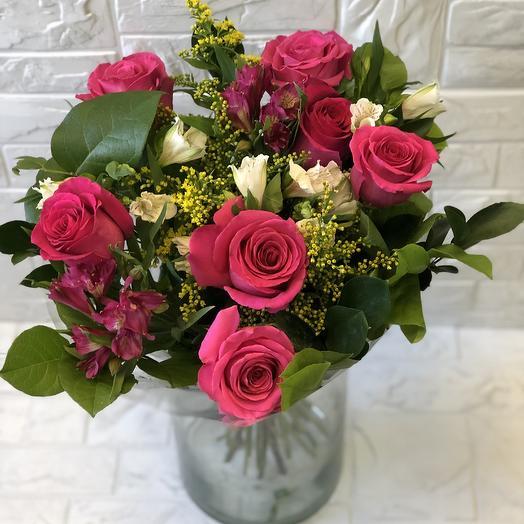 Малиновый день: букеты цветов на заказ Flowwow