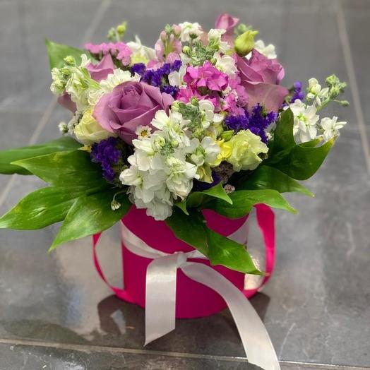 Композиция из Роз и Дельфиниума: букеты цветов на заказ Flowwow