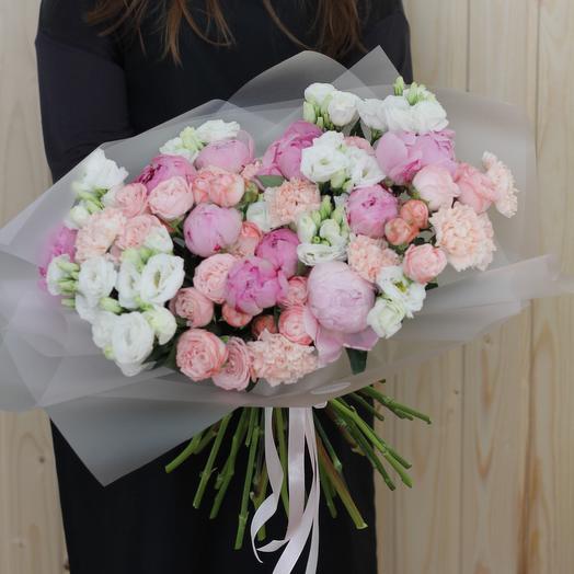 Букет с пионовидными розами и диантусами: букеты цветов на заказ Flowwow