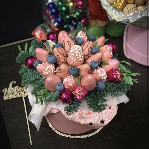 Клубника в шоколаде «Новогодняя»