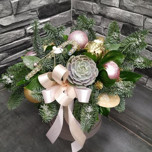 "Рождественская шляпная коробка ""Зимушка-зима"": букеты цветов на заказ Flowwow"