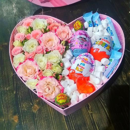 Сердце с Киндер Сюрпризом: букеты цветов на заказ Flowwow
