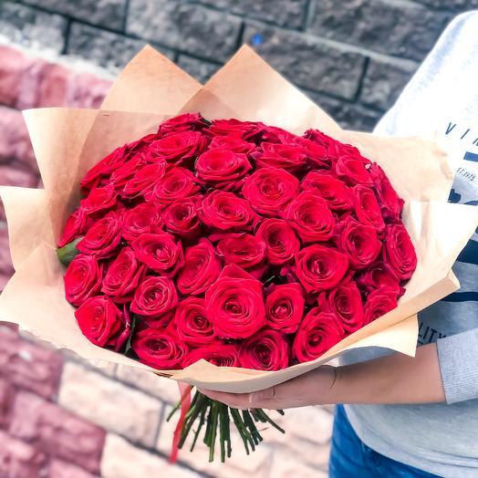 51 роза Рэд Наоми: букеты цветов на заказ Flowwow