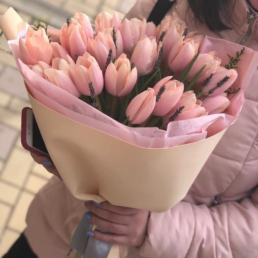 Нежный букет из тюльпанов
