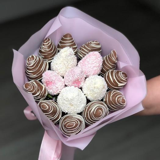"""A bouquet of Chocolate-covered Strawberries """"Top"""""""