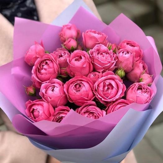 Букет из 9 кустовых пионовидных роз «Мисти»