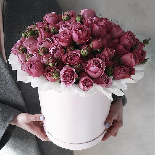 Розы Мисти Бабблз в большой шляпной коробке