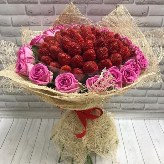 Strawberries with rose Aqua
