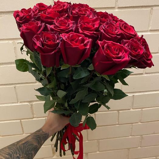 25 элитных роз