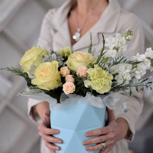 Цветы в коробке Геометрия Тиффани