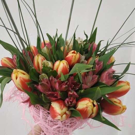 Тюльпаны и Альстрамерия