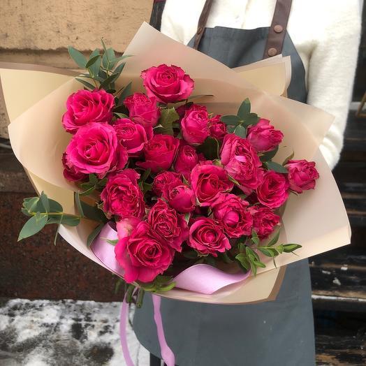 Яркие кустовые розы