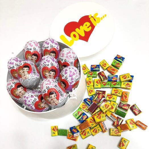 Шоколадные яйца Love is