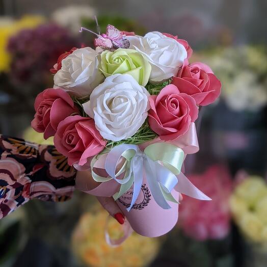 Мыльные розы в коробке