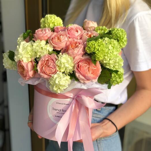 Нежная коробочка из роз