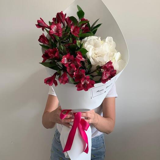 High bouquet of white large hydrangea and burgundy alstroemeria