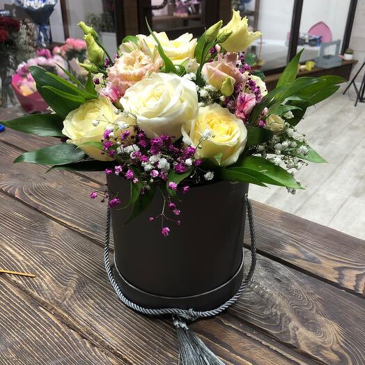 Цветы в коробке Нежность Роз