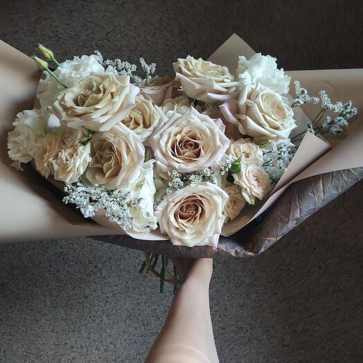 Букет с прекрасной розой ментой