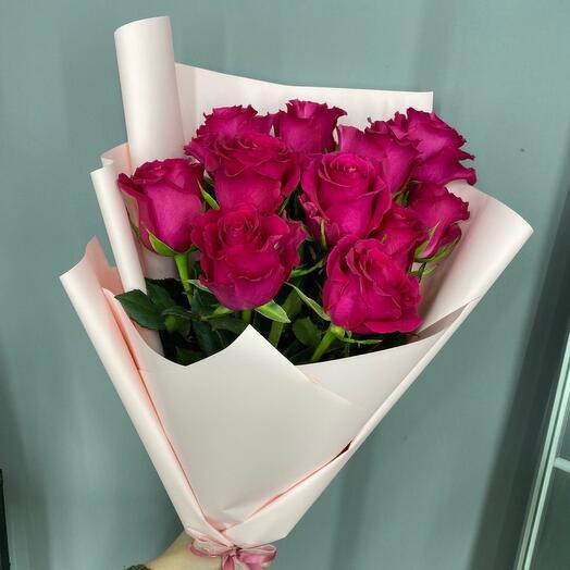 Букет малиновых роз